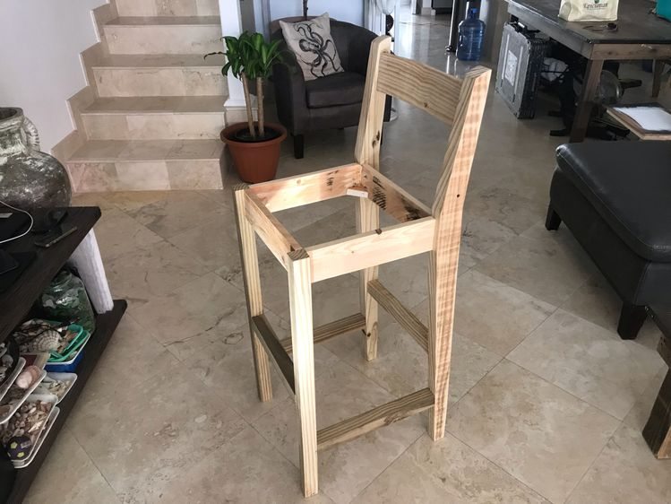 DIY Bar Stool Ideas Which You Can Make