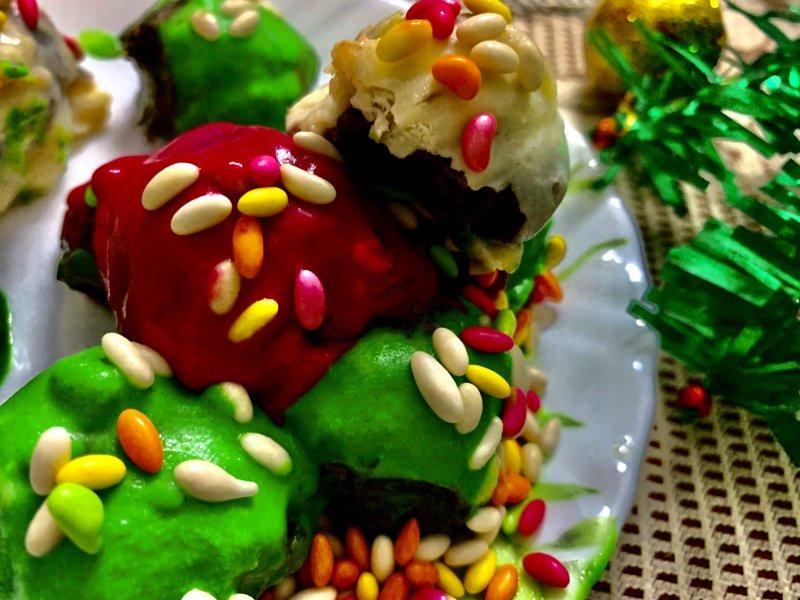 Christmas Oreo Truffles.